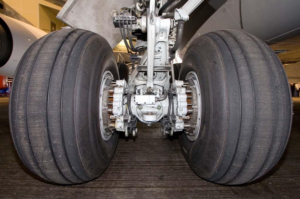 ТрансКомплект - поставка авиашин для воздушных судов ГА