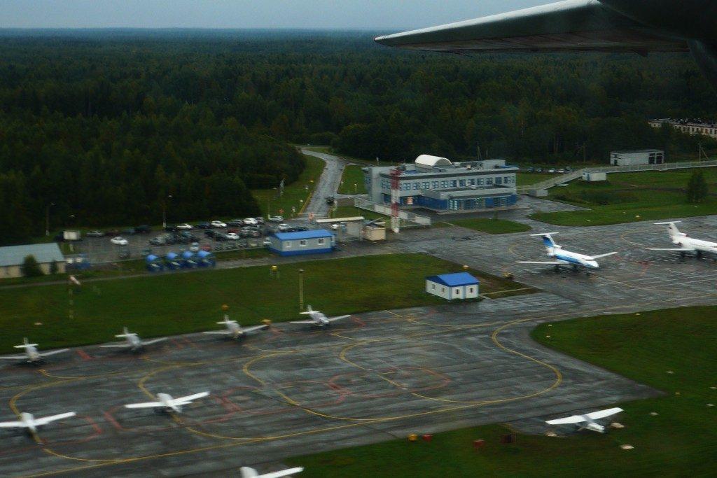 Аэропорт Череповец. Стоянки воздушных судов