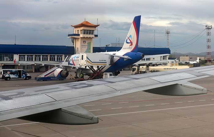 Аэропорт Улан-Удэ. Стоянка самолетов