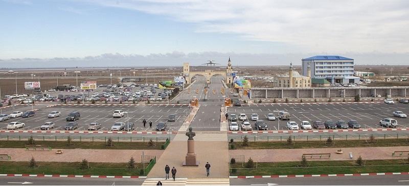 Привокзальная площадь аэропорта Махачкала