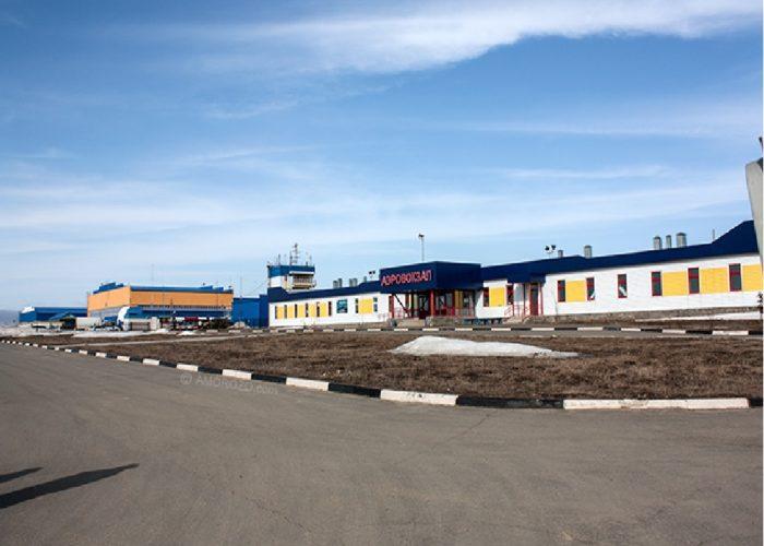 Вход в аэровокзал Ноглики