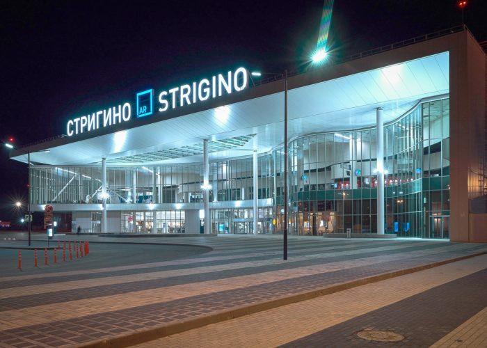 Новый терминал ночью