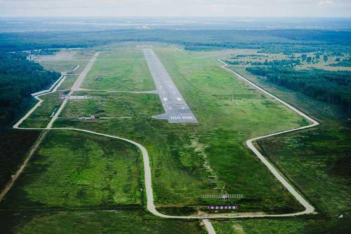 Аэропорт Киров взлетно-посадочная полоса