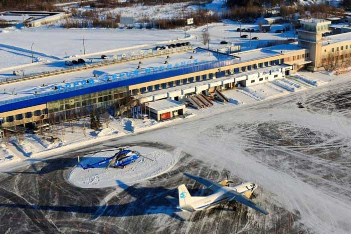 Аэропорт Мурманск перрон