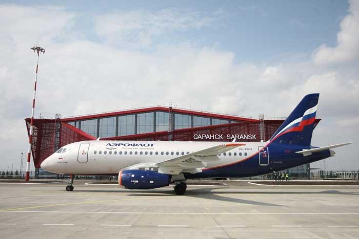Самолет Аэрофлотв на перроне Саранска